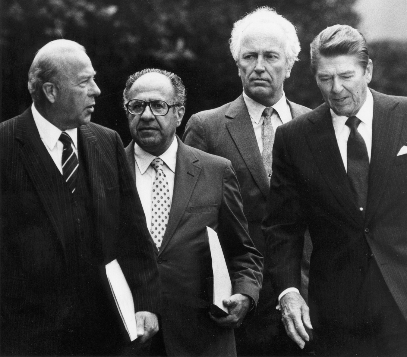 Philip Habib with George Shultz, Moris Draper and Ronald Reagan